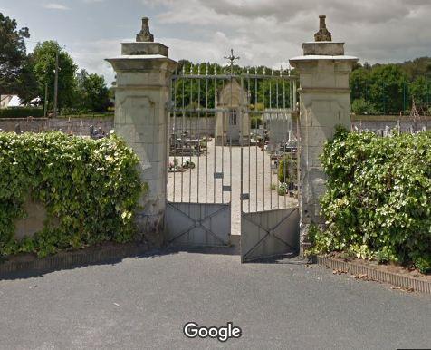 Porte d'entrée du cimetière de Saint-Philbert-du-Peuple