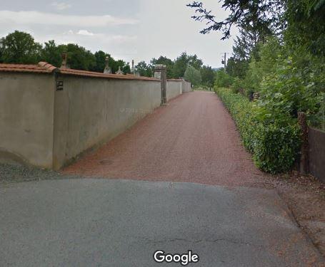 L'entrée du cimetière de Nervieux