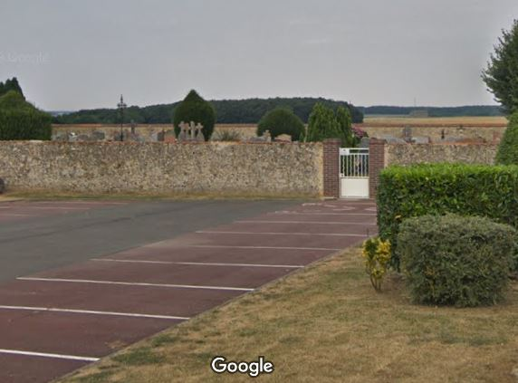 L'entrée du cimetière de Chartainvilliers