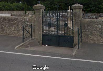 Porte d'entrée du cimetière de Illats