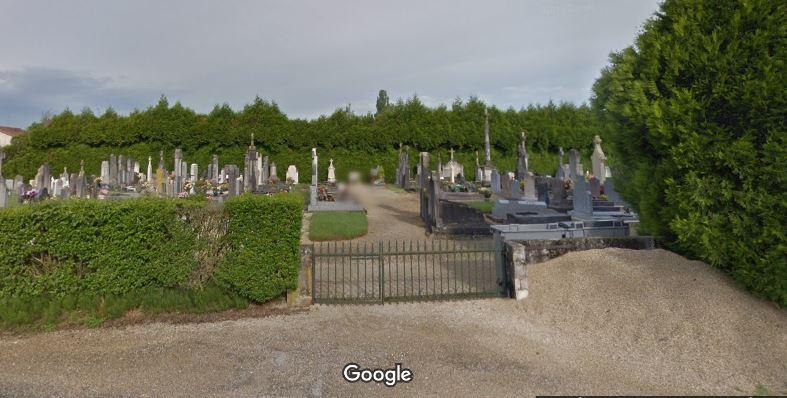 Porte d'entrée du cimetière de Saint-Jean-sur-Reyssouze