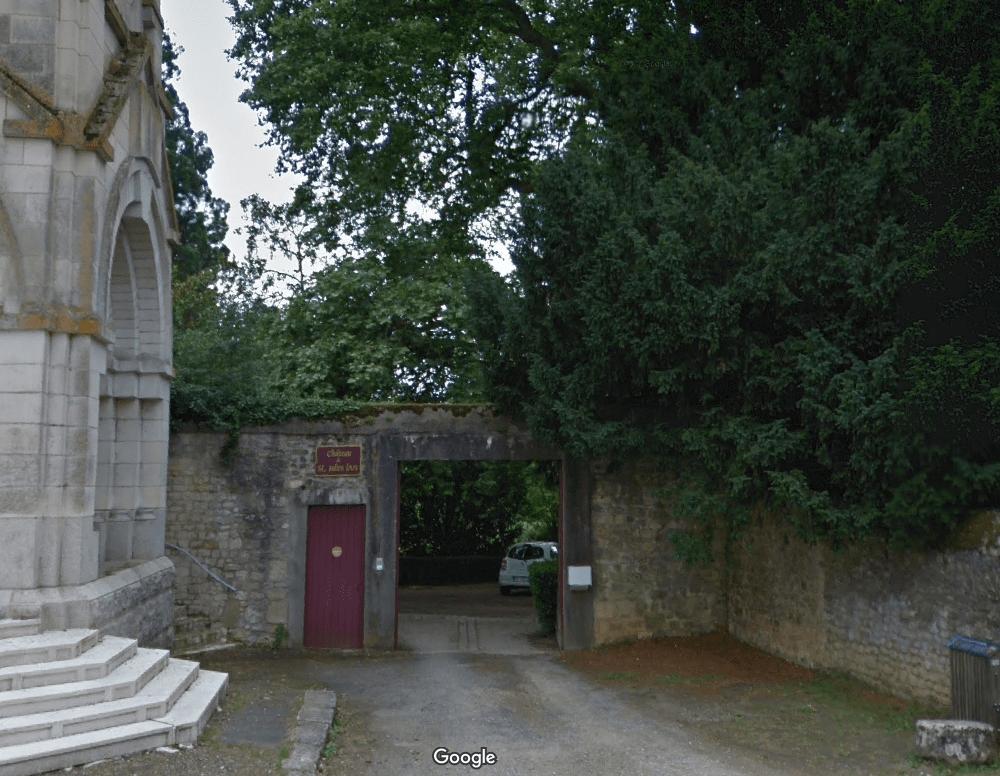 Ancien cimetière de Saint-Julien-l'Ars