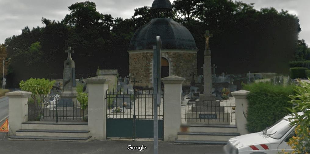 Cimetière communal  de Sainte-Gemmes-d'Andigné