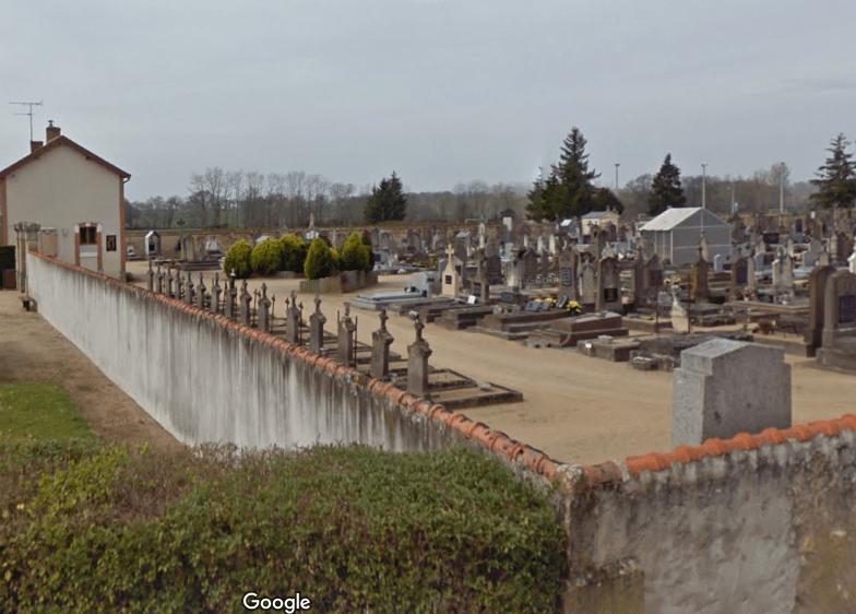 Le cimetière deCosne-d'Allier