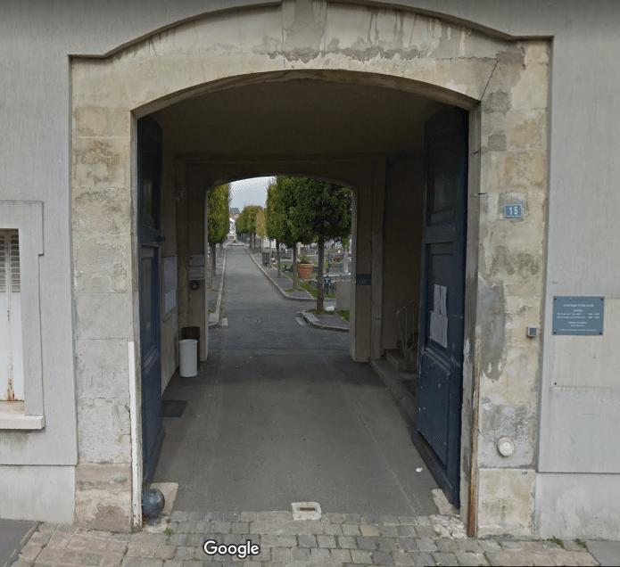 Cimetière àRue des Missionnaires de Versailles