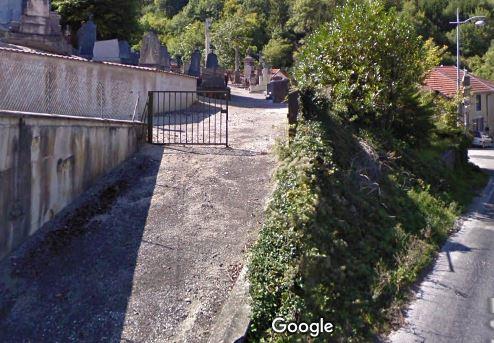 Porte d'entrée du cimetière de Froncles sur Gr Grande Rue