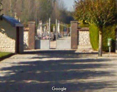 Porte d'entrée du cimetière de Maizières-la-Grande-Paroisse