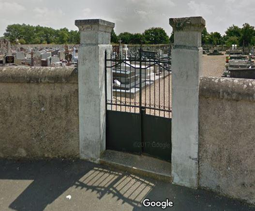 Porte d'entrée du cimetière de Arrou