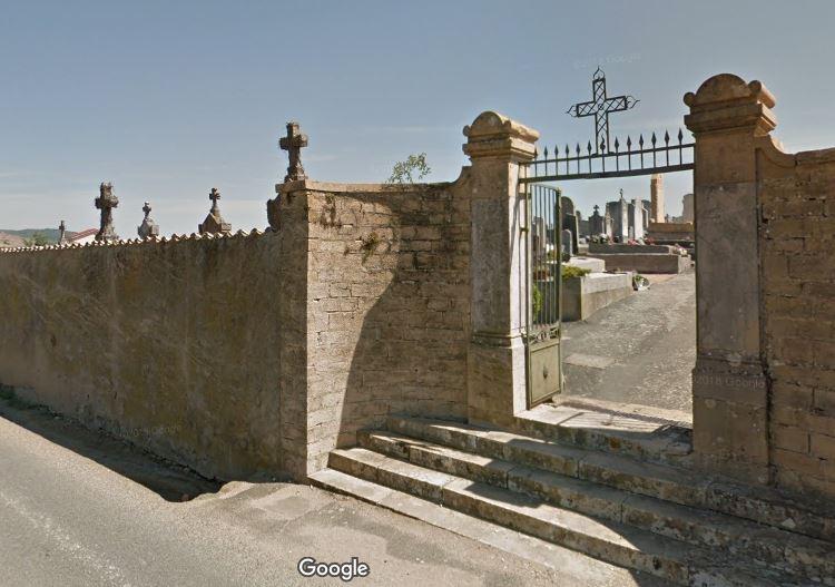 Porte d'entrée du cimetière de Villié-Morgon