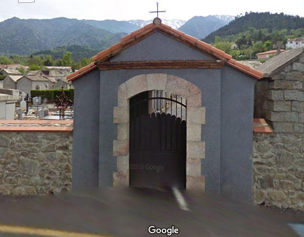 Porte d'entrée du cimetière de Vernet-les-Bains