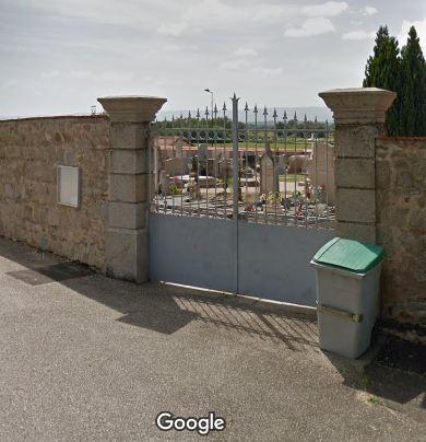 Porte d'entrée du cimetière de Civens