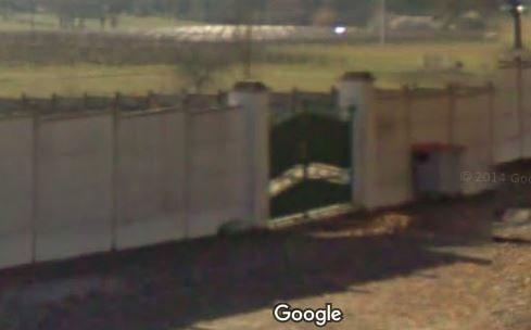 Porte d'entrée du cimetière de Salignac sur 1 Chemin de l'Eau Douce
