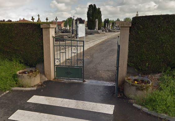 Porte d'entrée du cimetière de Saint-Laurent-sur-Saône