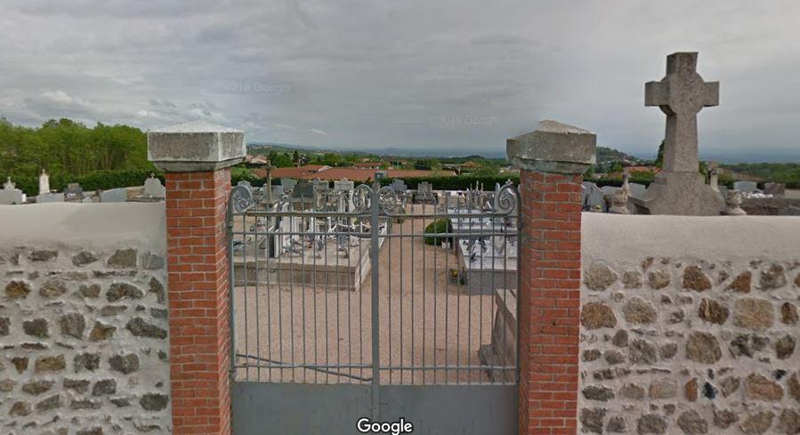L'entrée du cimetière de Margerie-Chantagret