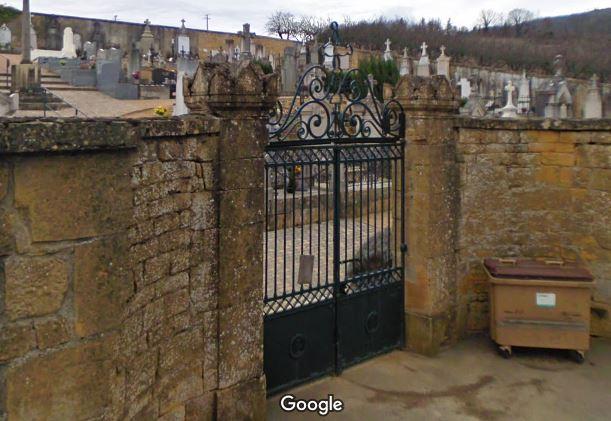 Porte d'entrée du cimetière de Ville-sur-Jarnioux